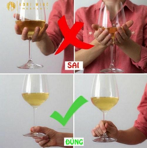 Cách uống rượu vang đỏ sao cho đúng