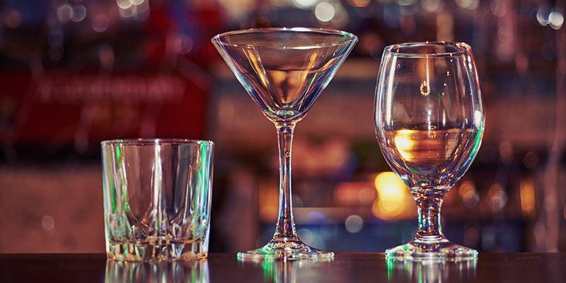Loại ly uống rượu Chivas có đặc điểm gì?